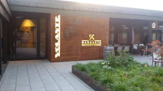 Kirchzarten, Германия: der Eingang zum Restaurant