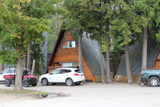 Sicamous, Canada : They have accommodation you can rent.
