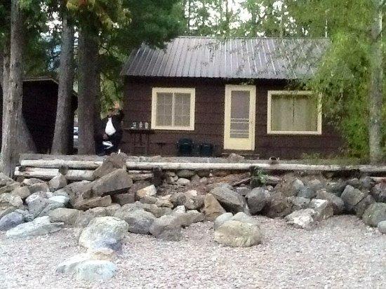 Apgar Village Lodge: Cabin picture