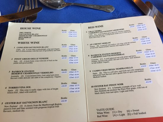 Kirkbymoorside, UK: Lion Inn. Blakey Ridge. Wine List.