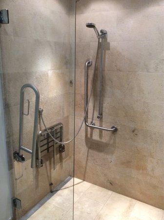 Appartment 408 Badezimmer Für Behinderte Und Tolle Lösung Für Die