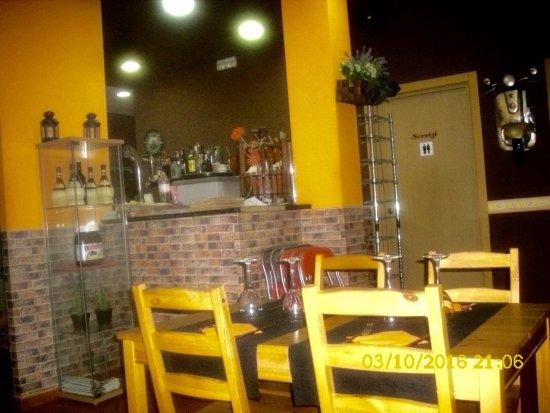 Pizzeria La Bella Italia: photo1.jpg