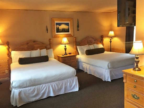 Shasta Inn : Queen / Queen Guestroom