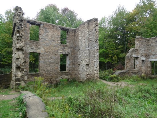 Wiarton, Kanada: Some Ruins At Spirit Rock Conservation Area