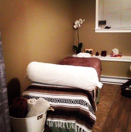 Nanaimo, Canadá: Aromatherapy Massage, Foot Reflexology, Lymphatic Drainage Massage, Hot Stone Massage, Ion Clean