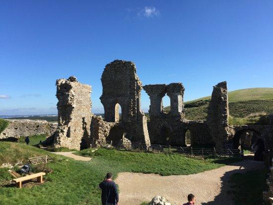 Corfe Castle, UK: Very atmospheric