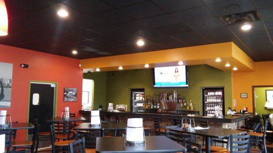 Muskegon County, MI: Come check out our fully stocked bar!