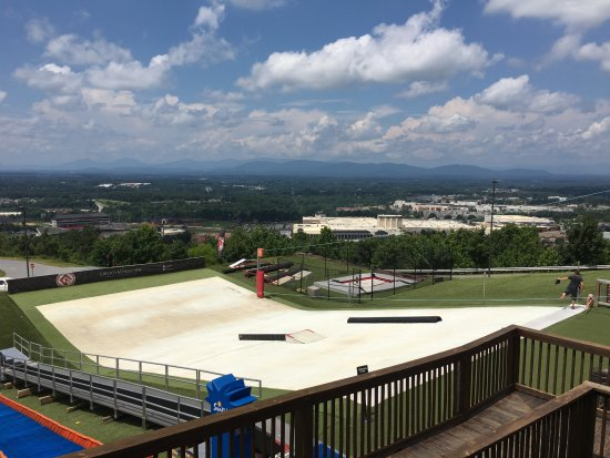 Liberty Mountain Snowflex Centre