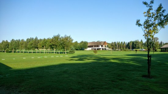 Bunclody, Irland: Clubhouse from 1st tee