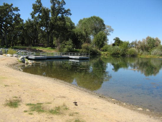 Anderson, CA: Fishing area
