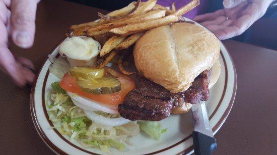 Glennallen, อลาสกา: Steak Sandwich