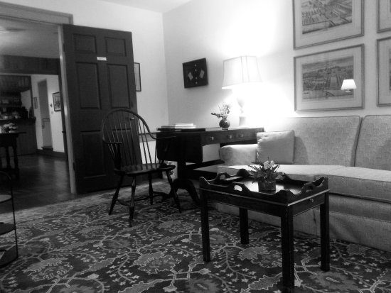 Chestertown, MD: King Joseph Sitting Room