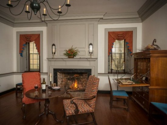 Chestertown, MD: Nicholson Sitting Room