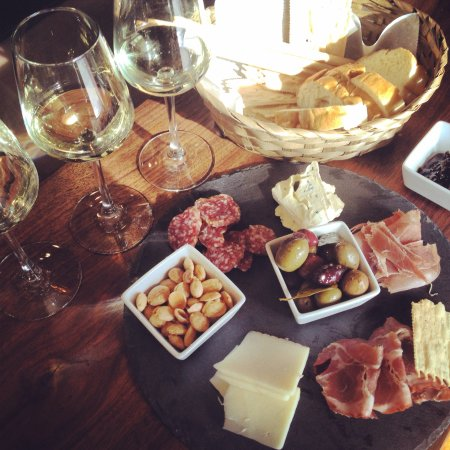 Pacific Beach, WA: enjoy flights of wine and a charcuterie plate
