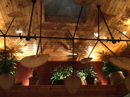 Cheddar's Scratch Kitchen: Fans above our heads