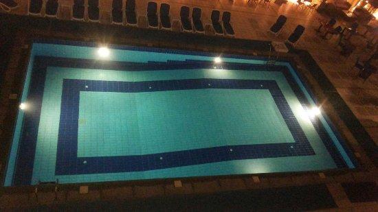 Safir Hotel Cairo: Pool swimming