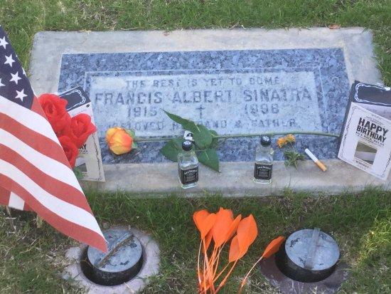 Frank Sinatra Gravesite : photo7.jpg