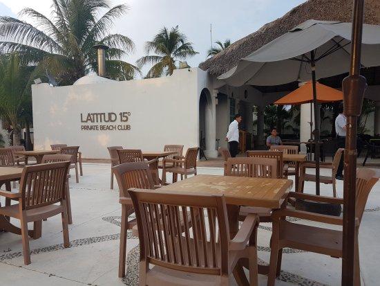 La Isla Huatulco & Beach Club: TA_IMG_20161003_183853_large.jpg