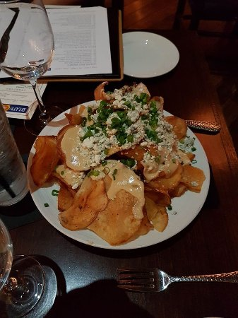 Twinsburg, OH: BC UKON GOLD POTATO CHIPS Wisconsin Buttermilk Blue Cheese, Blue Cheese Cream, Scallions