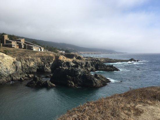 Sea Ranch Lodge: Küstenabschnitt und Hotel