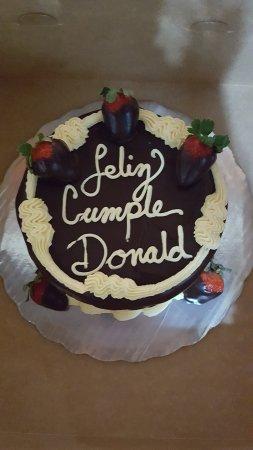 Roots Bakery & Cafe : Happy birthday cake