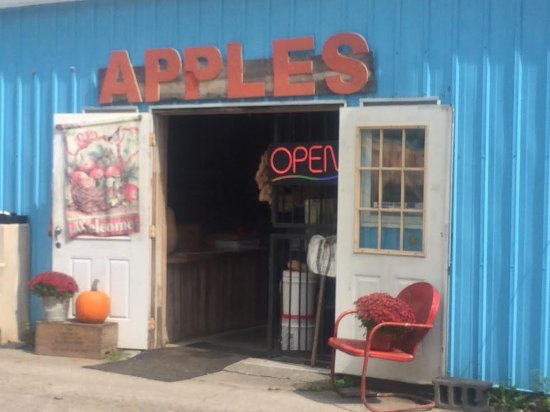Wise, Wirginia: Entrance to Apple House produce shop