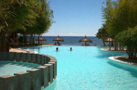 Bluewater Panglao Beach Resort: インフィニティプール