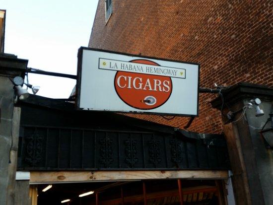 La Habana Hemingway Cigar Bar