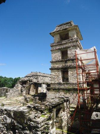 National Park of Palenque: el observatorio un emplema y mistito lugar en la historia maya.