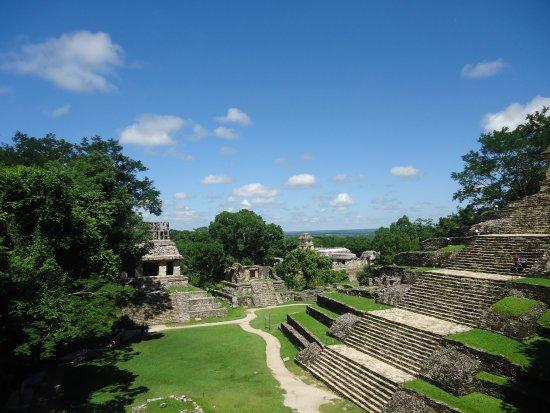 National Park of Palenque: vista desde el cerro de las cruces un lugar que hace muchisimo tiempo fungio como cárcel.