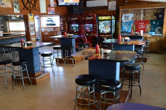 Bridge Bar & Restaurant: Riverside Dining