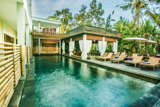 Alam Sembuwuk Resort