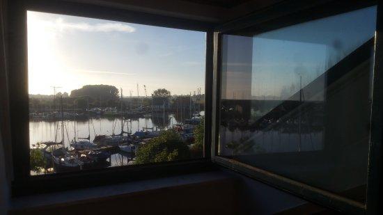 Hotel Hinrichs : Schöne Aussicht auf den Yachthafen.