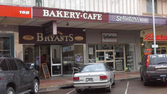 Bryant's Bakery Cafe : Street View of cafe
