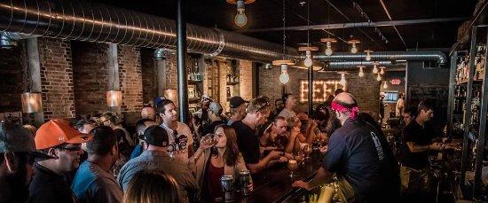 Auburn, NY: Bar
