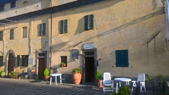 Montecatini Val di Cecina, Italia: Struttura che ospita le camere recuperate dai vecchi alloggi dei minatori