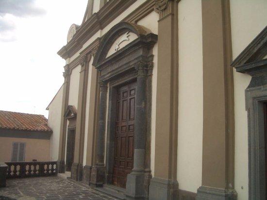 Gradoli, Italien: portale principale