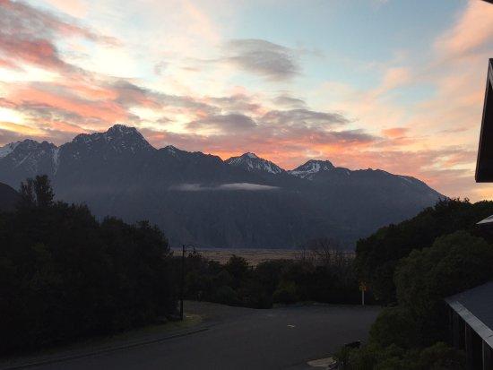 Aoraki Mount Cook Alpine Lodge: photo1.jpg
