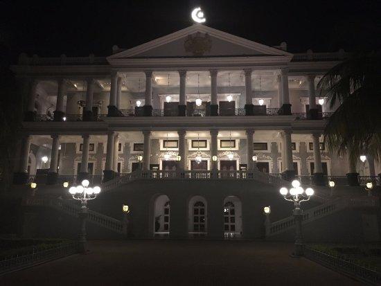 Taj Falaknuma Palace: The hotel lit up at night