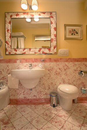 La Casa del Garbo: Bathroom Standard Beatrice