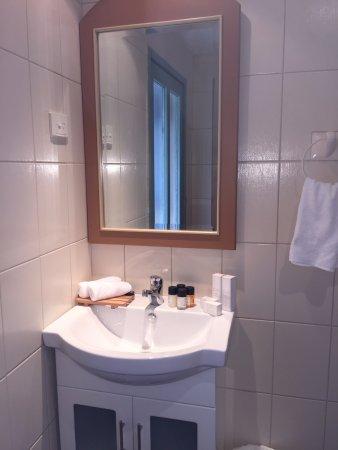 Mount Victoria, Austrália: Bathroom vanity area