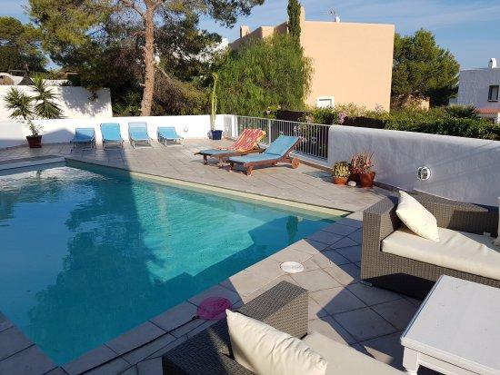 Cala Vadella, España: la piscine de jour