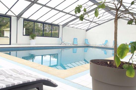 Conflans-sur-Anille, Francia: piscine couverte et chauffée toute l année