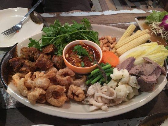Jatujak Gallery & Restaurant: photo2.jpg
