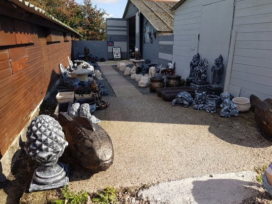 ‪‪Middlewich‬, UK: Lovely place to visit and but some unusual garden ornaments‬