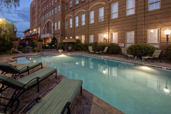 Outdoor Pool Picture Of Carnegie Hotel Johnson City Tripadvisor