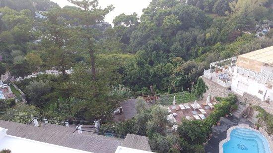 Hotel La Floridiana: Blick aufs Meer, Pool und Sonnenterrasse