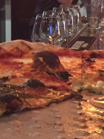 Mia Margherita : The little hump in the crust did not last much longer after this picture was taken!