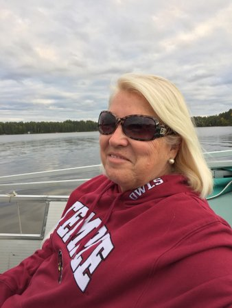 Eagle River, Wisconsin: My wife and I being Florida Residents want to go and see the fall foliage. We booked a long week