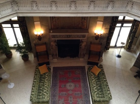 Vanderbilt Mansion National Historic Site: Entry hall from above